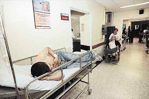 $156 mil millones de hospitales públicos de Bogotá, en riesgo por liquidación de Caprecom