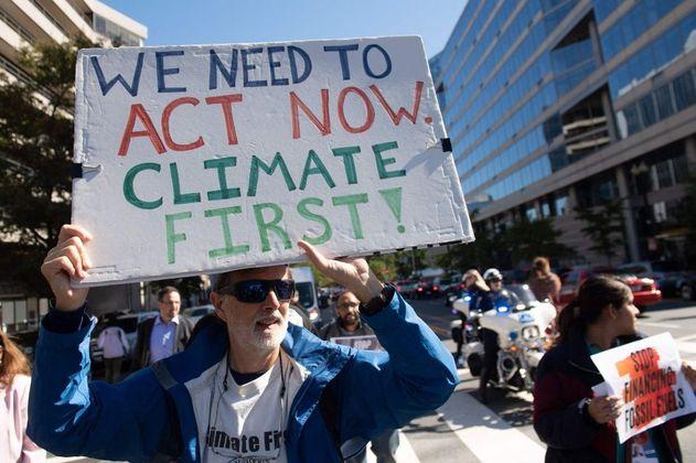Subsidios a combustibles fósiles ascienden $11 millones USD por minuto