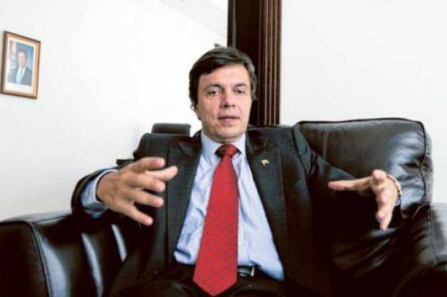 Cafeteros oficializan nombramiento de Roberto Vélez como gerente