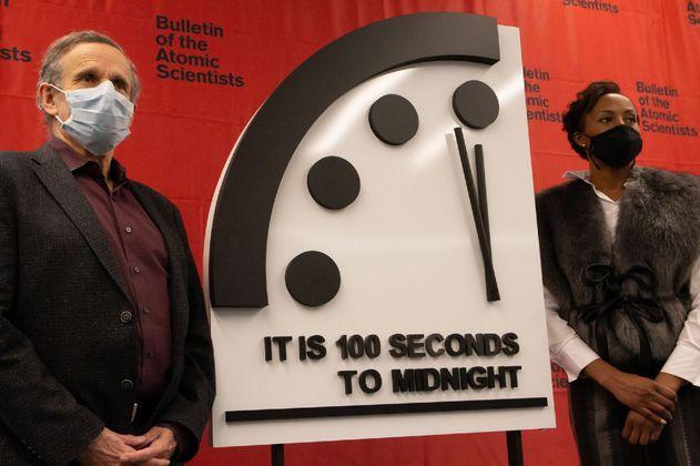 El 'Reloj del Apocalipsis' sigue estando a cien segundos de la catástrofe