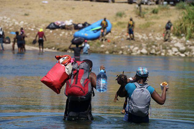 Tensión en campamento de migrantes de Haití tras operativo policial