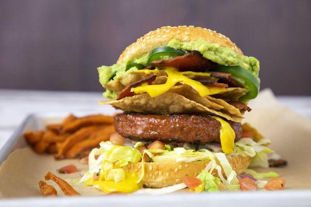 Esta es la primera cadena de comida rápida que venderá Beyond Meat en Colombia