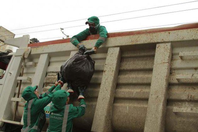 Celebran acuerdo salarial entre trabajadores de Aguas Bogotá y Distrito
