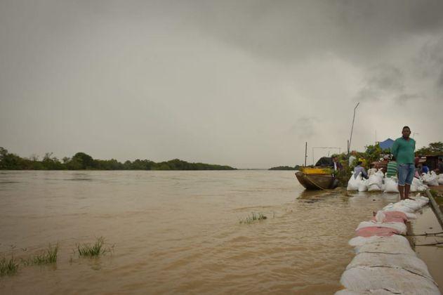 Por inundaciones, Arauca cumple un mes sin agua y energía