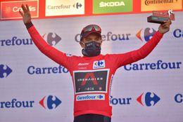 Richard Carapaz recuperó el liderato de la Vuelta a España