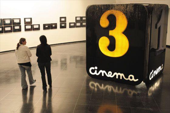 Rastros de las antiguas salas de cine de Bogotá