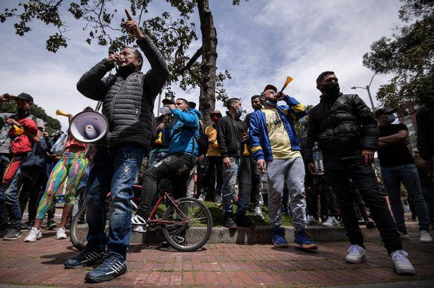Algunos gremios empresariales protestan por las nuevas restricciones en Bogotá