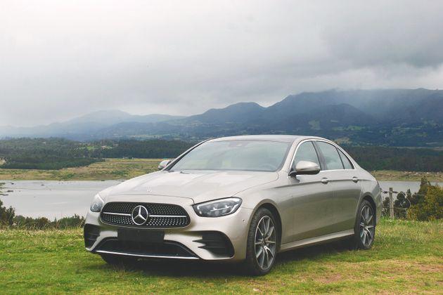 Mercedes-Benz E350, el primer sedán híbrido de lujo de la firma alemana