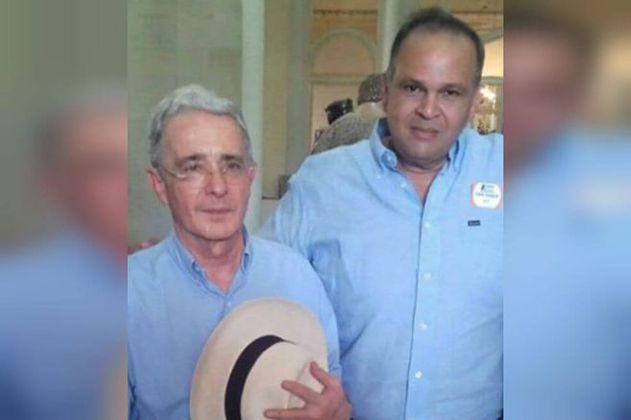 """""""Ñeñe"""" Hernández fue agendado para visita al Congreso desde la oficina de Álvaro Uribe Vélez"""