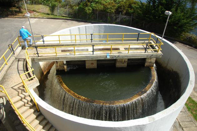 Inversión en proyectos de agua potable y saneamiento llegará a $1,8 billones en 2020