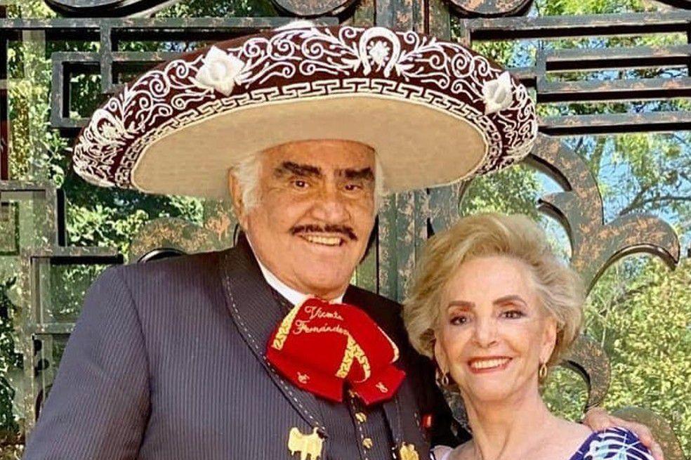 ¿Doña Cuquita', esposa de Vicente Fernández tuvo que ser intervenida quirúrgicamente el pasado lunes.