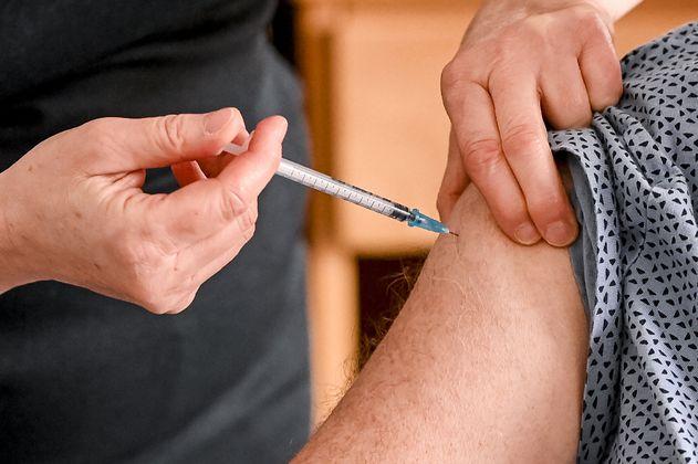 México vacuna contra el covid-19 a funcionarios de la salud