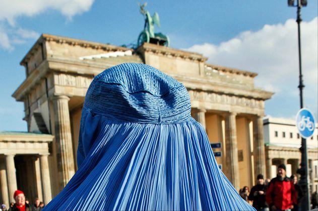 Mujer que paseó por Medellín en burka es parte de un experimento social