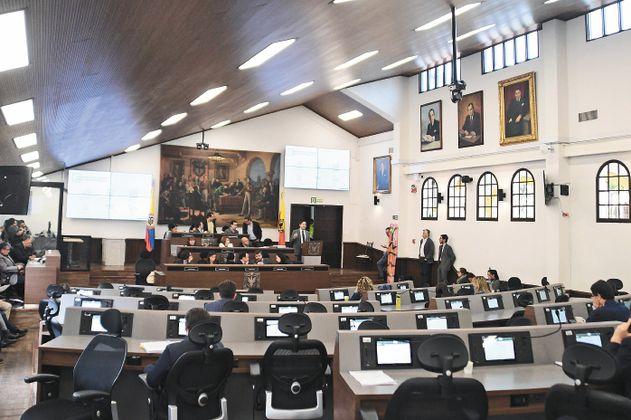 A plenaria del Concejo de Bogotá pasó plan de rescate social y de Transmilenio