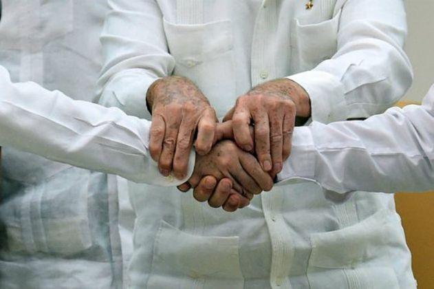 Exmiembros de Farc hablan de paz con expresidentes Santos, Mujica y González
