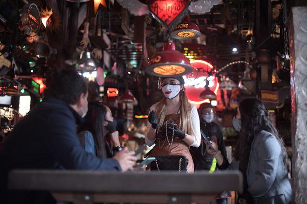 Nuevos horarios para restaurantes y otras nuevas medidas en Bogotá