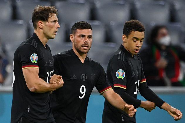 Alemania sufrió, pero clasificó a octavos de la Eurocopa