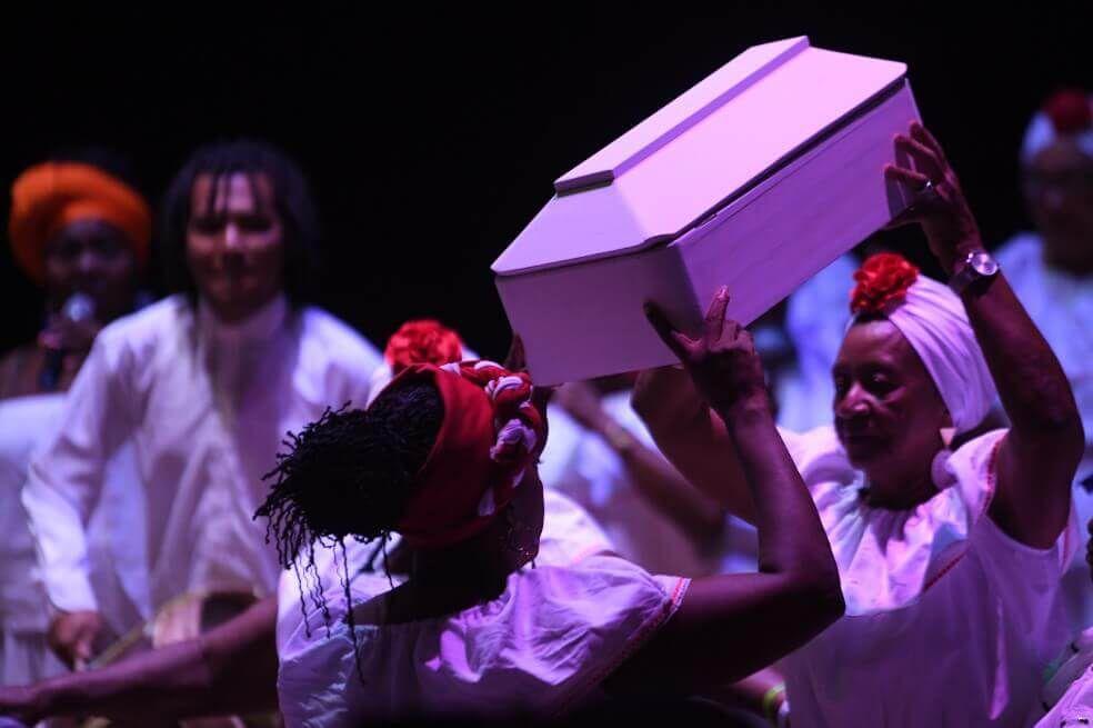 Levanten las voces mujeres, escrita e interpretada por el Grupo de Cantoras Esperanza y Paz de Tumaco fue la primera documentación sonora que hizo el Colectivo Socio-jurídico Orlando Fals Borda con el fin de recopilar sus historias y sentires como víctimas de desaparición forzada.