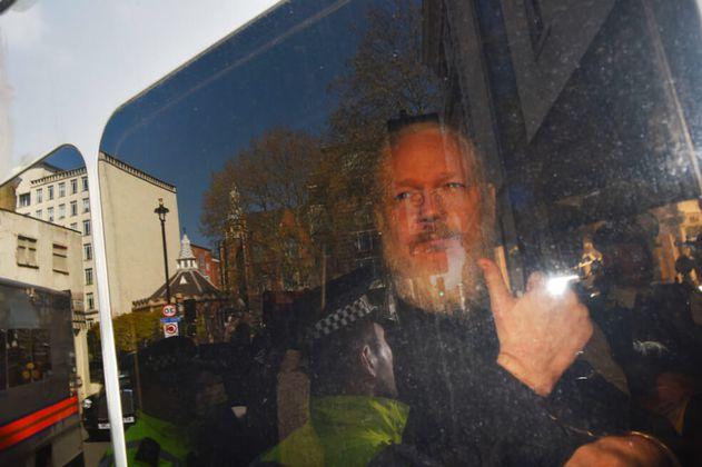 Por riesgo de suicidio, EE. UU. pide evaluar salud mental de Julian Assange