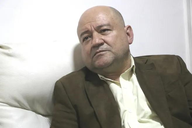 El senador de la FARC Julián Gallo o Carlos A. Lozada.