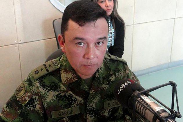 """General que pidió la baja por escándalo de """"carpetas secretas"""" pasó por el DAS"""