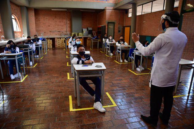 ¿Cambian las clases presenciales en colegios por la cuarentena en Bogotá?