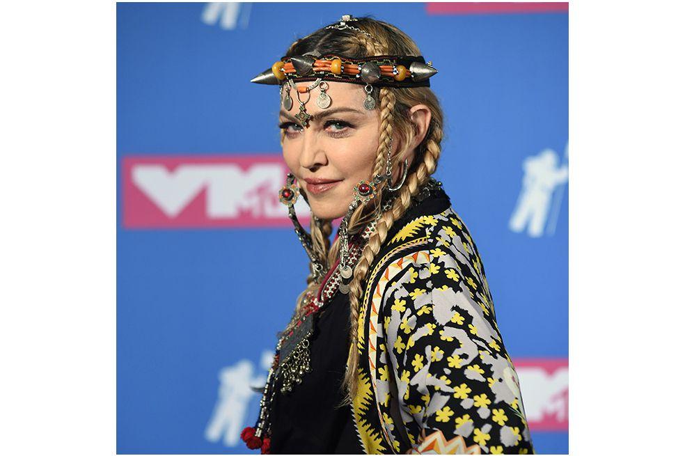 """""""Estoy aquí para decir que la comunidad gay, y las personas gays, tienen los mismos derechos"""", dijo Madonna en un concierto en San Petersburgo durante su """"MDNA Tour""""."""