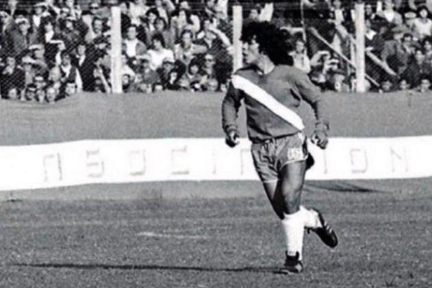 Cuando Maradona no pudo jugar con el Sheffield United y se enojó