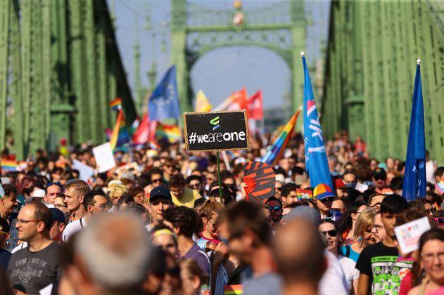La masiva marcha del Orgullo en Hungría rechaza las medidas de Orban