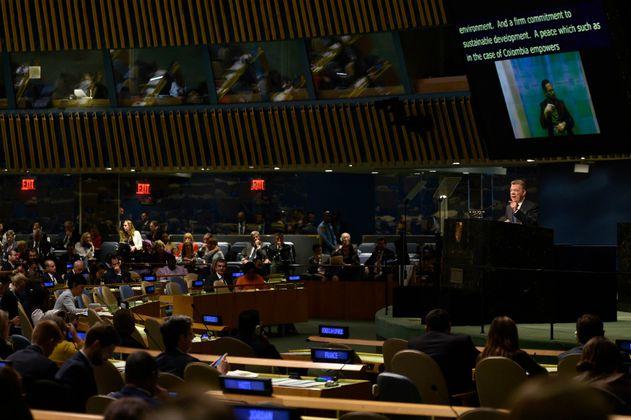 Santos insiste en la necesidad de replantear la guerra contra las drogas