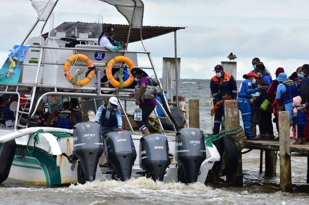 Condiciones climáticas dificultan la salida de migrantes de Necoclí