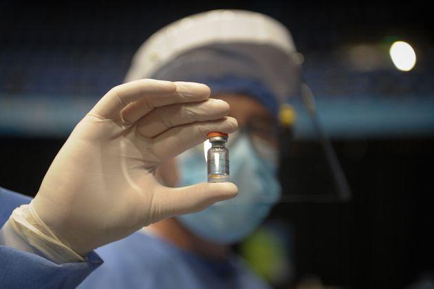 Bancolombia donará 22.000 dosis de Sinovac a plan público de vacunación