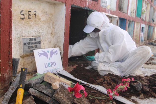 Unidad de Búsqueda inicia la recuperación de más de cien cuerpos en Puerto Berrío