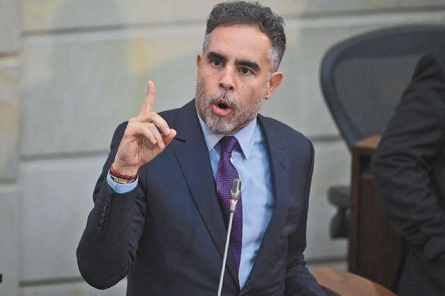 Benedetti niega estar involucrado en supuesto complot contra campaña de Santos