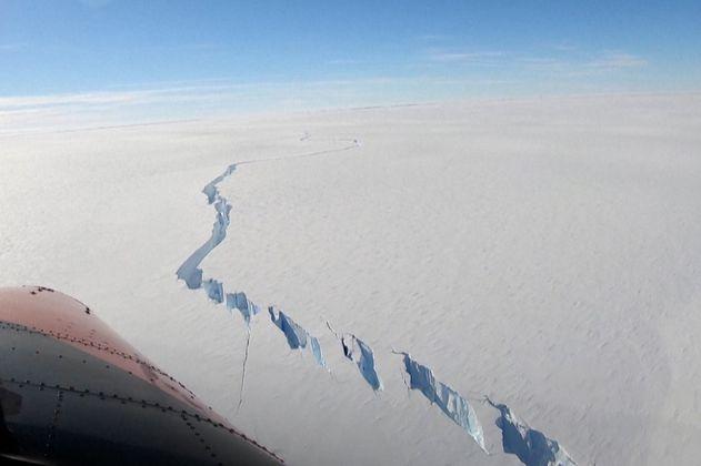 Un iceberg colosal se separó del casquete polar antártico