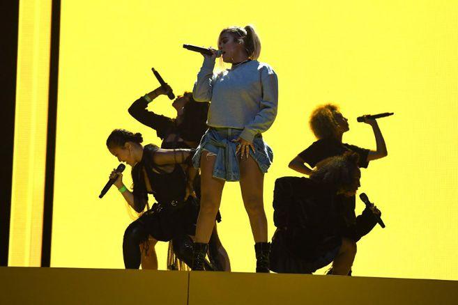 """Imagen de archivo de Karol G, quien está en la lista de Billboard por """"Bichota"""" y el remix """"Caramelo"""" junto a Ozuna y Myke Towers."""