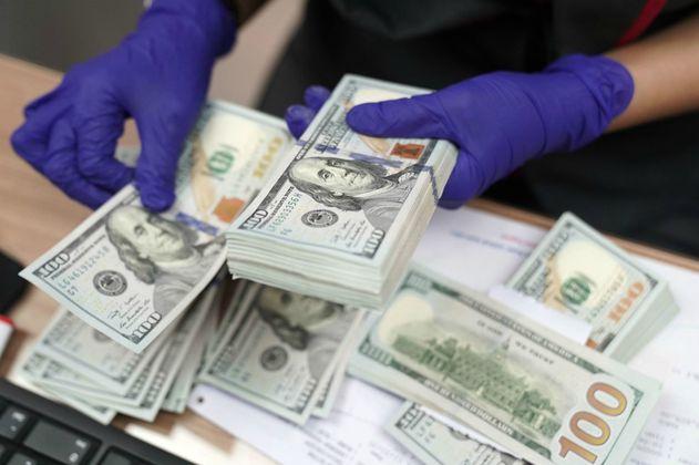 Desmontan imprenta que falsificaba dólares y los vendía por debajo del valor real