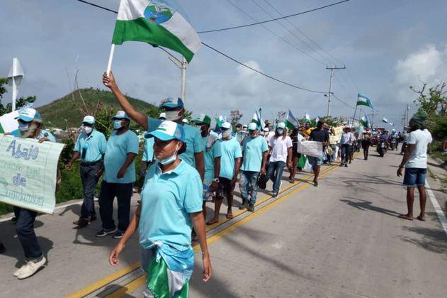 Así fue la jornada de protestas en Providencia ante atrasos en la reconstrucción