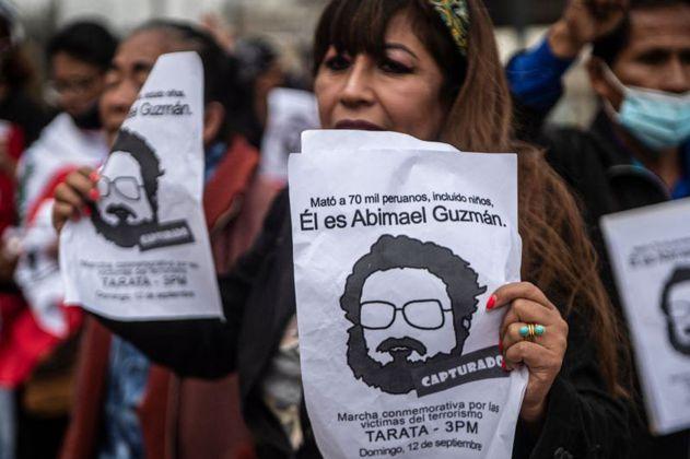 Así fue como Abimael Guzmán sembró el terror en Perú