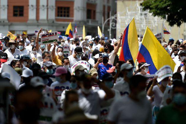 """""""Marcha del silencio"""": así transcurre la convocatoria que rechaza los bloqueos en Cali"""