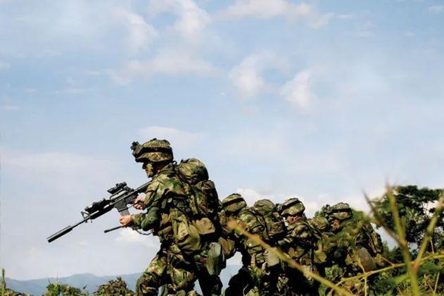 Diez disidentes y un suboficial del Ejército muertos en enfrentamientos en Cauca