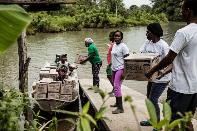Los fotógrafos que buscan llevar agua potable a Ciudad Bolívar en medio de la pandemia