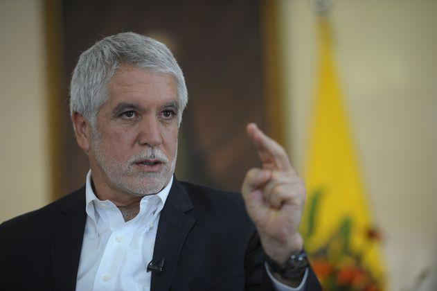 CNE sanciona a vocero de la revocatoria de Peñalosa por líos en las cuentas