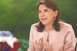 """""""Espero que Colombia pueda retomar la vía del diálogo"""": embajadora de Francia"""