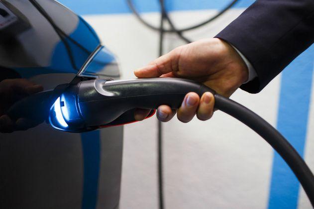 """México apuesta por monopolio del litio, """"oro"""" ante el auge de autos eléctricos"""