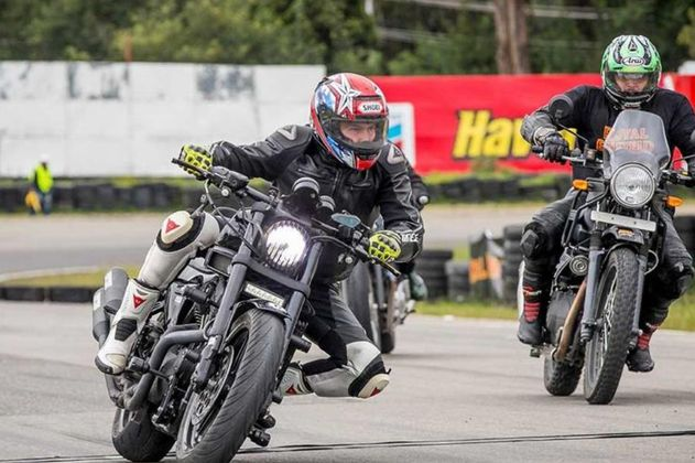 William Morales, el hombre que desafía la velocidad en una Harley Davidson