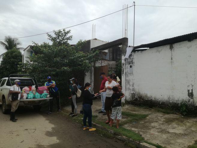 Entrega de mercados y bienes de primera necesidad en Arauquita.