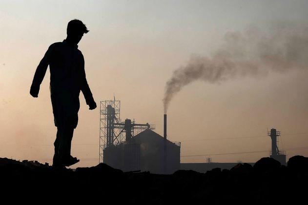 Colombia recibe premio internacional por ponerle impuesto al carbono