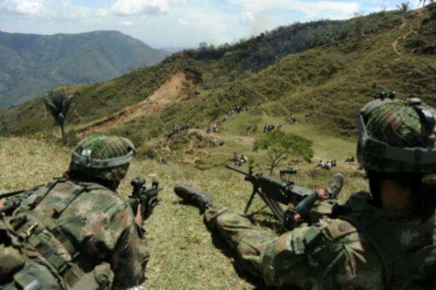 Ocho disidentes de las Farc mueren en operativo del Ejército en límites con Ecuador