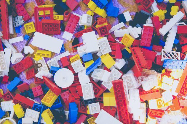 Lego dejará de envolver sus fichas en bolsas plásticas